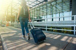 how do walk through metal detectors work - what sets off metal detectors at airports